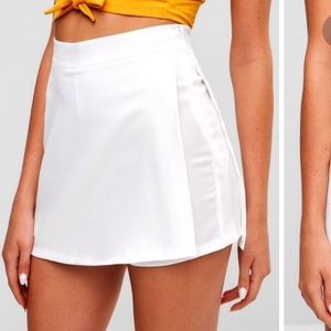 Zipper High Wast Plain Shorts- White (M)